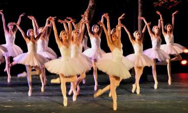 ¿Has visto El lago de los cisnes? Disfruta de una versión renovada del clásico de la danza