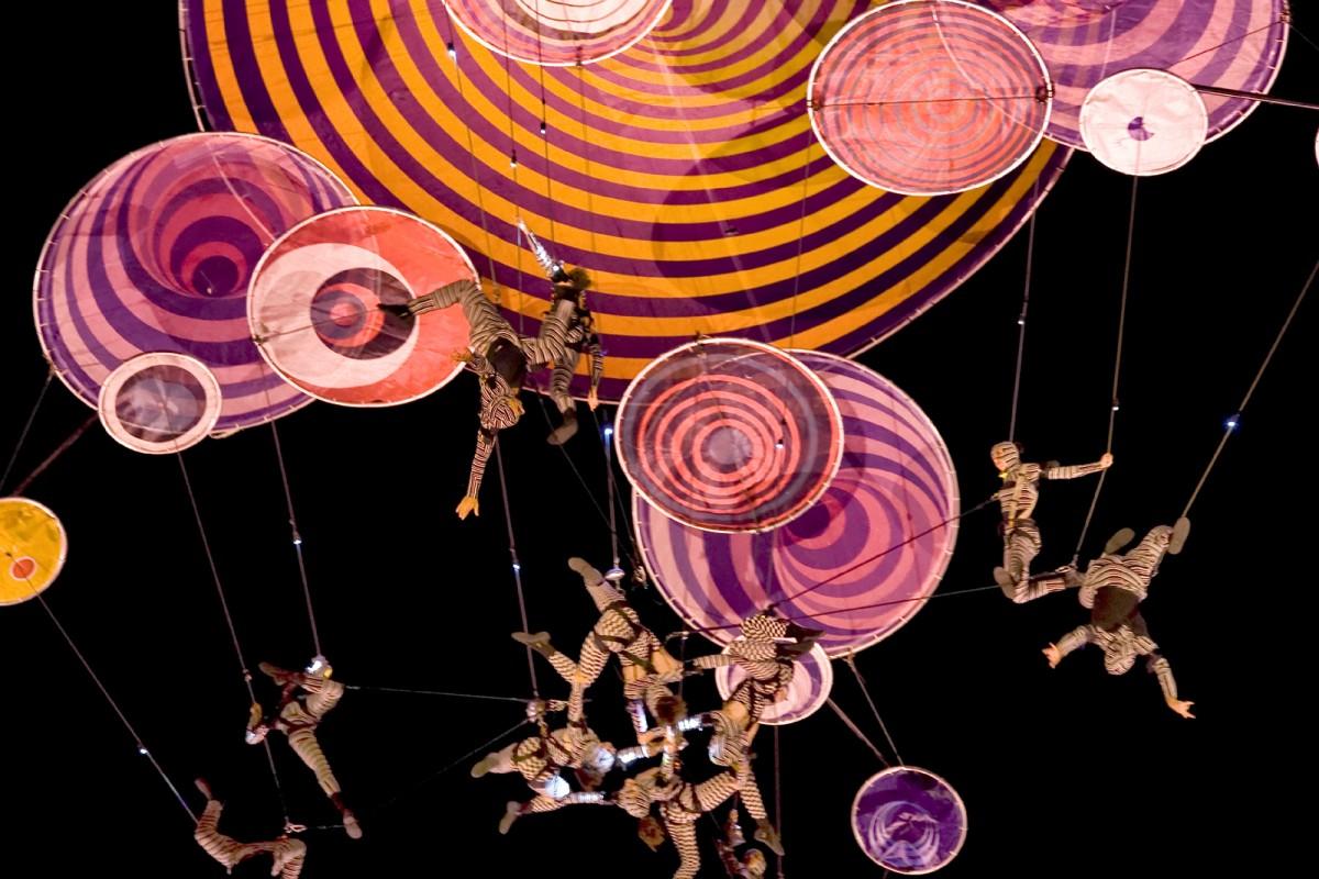 El cielo cervantino es el escenario de la propuesta escénica Muaré, de Voalá Project