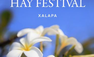 Hay muchos festivales en octubre, pero sólo el Hay Festival trae a Salman Rushdie