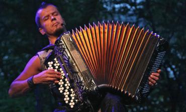 El Cervantino se prende con la intensa música de Kimmo Pohjonen, maestro del acordeón