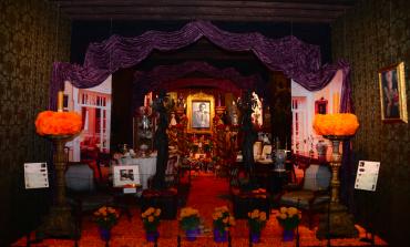 San Ángel se viste de papel picado, flores de cempasúchil y pan de muerto con sus ofrendas