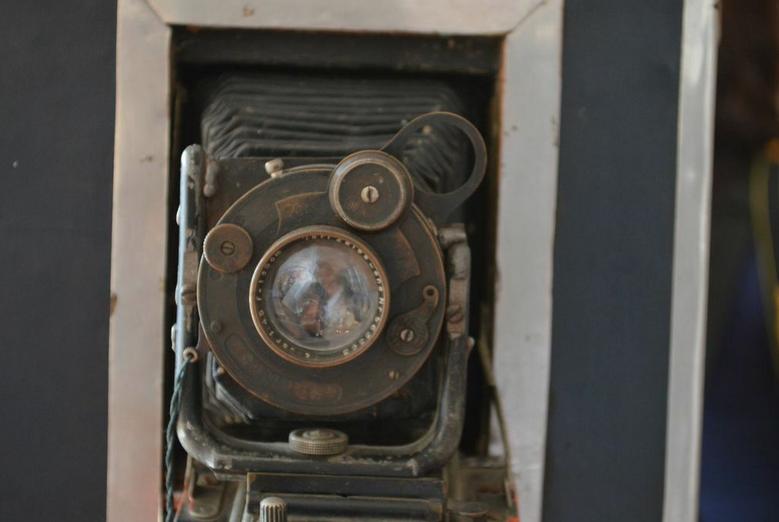 ¿Recuerdas a los fotógrafos de La Villa y la Alameda? El Museo Archivo de la Fotografía les rinde homenaje