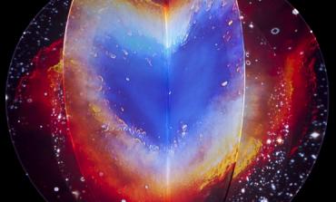 ¿Has imaginado los colores de los elementos en la tabla periódica? Eugènia Balcells sí y lo muestra en @cenartmx