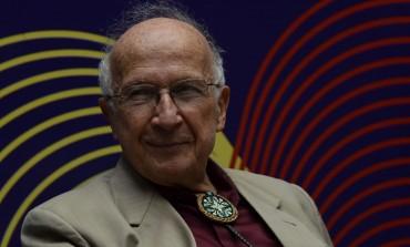 De la poesía a la química, Roald Hoffmann demuestra la unión arte-ciencia en el Cervantino