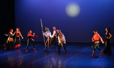 ¡Vamos a cabalgar con Cervantes! 4x100=Quixote 400 años de cabalgata de Compañía de Danza Ardentía