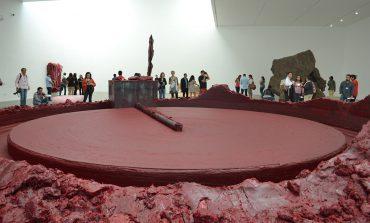 ¡No podrás dejar de ver la obra de Anish Kapoor en el MUAC!