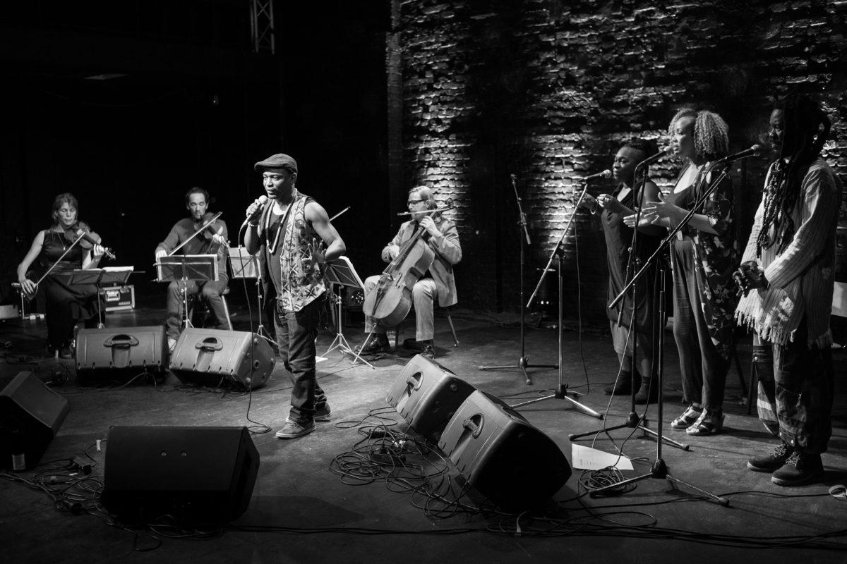 Cuerdas europeas y voces africanas, un deleite sonoro que Askanyi lleva al Cervantino 2016