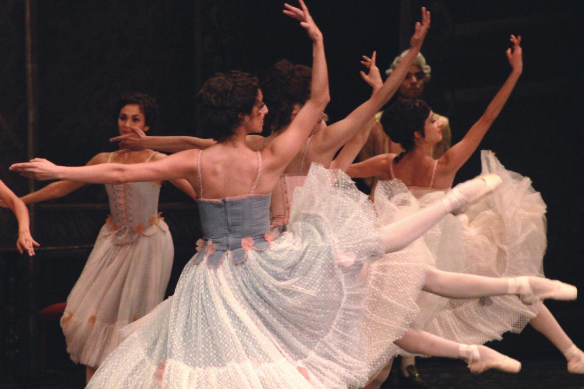 Manon, los diálogos de la danza, con la Compañía Nacional de Danza en el Palacio de Bellas Artes