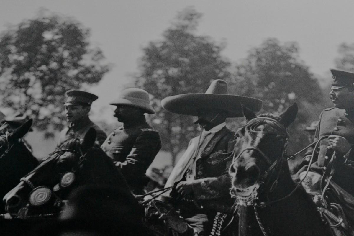 ¡Villa y Zapata toman Chapultepec! No dejes de visitar esta exposición fotográfica en las rejas