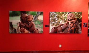 El fotógrafo Sérgio Guerra revela su amistad con los hereros. Descúbrela en @palaciomineria