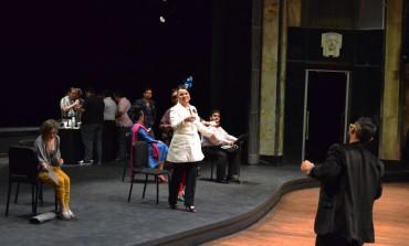 A reír con una ópera dentro de la ópera: Viva la Mamma en @palaciooficial