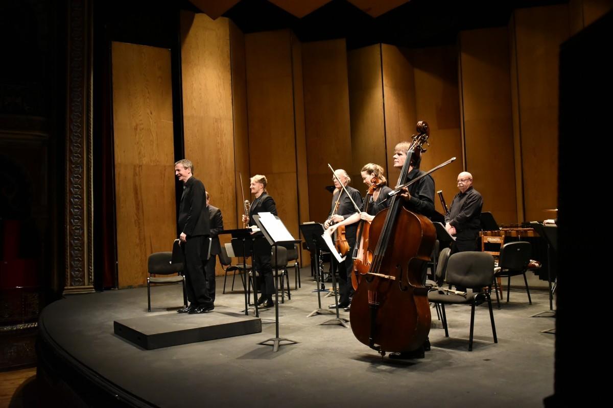 Una conmovedora interpretación en el concierto de la London Sinfonietta en el Teatro Juárez